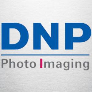 Fotomax-logo-fournisseurs-DNP-Fotomax Location Photobooth Bornes photo Strasbourg Alsace Bas Rhin