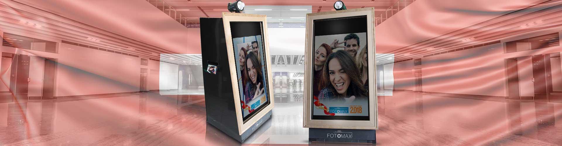 fotomax-background-slider-miroir-1-2-Miroir-Magique-Suisse-Geneve-Lausanne-Montreux-Photobooth-cabine-photo